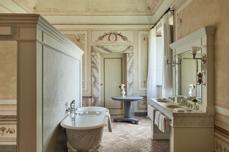 Bathroom Heritage Suite High Resolution