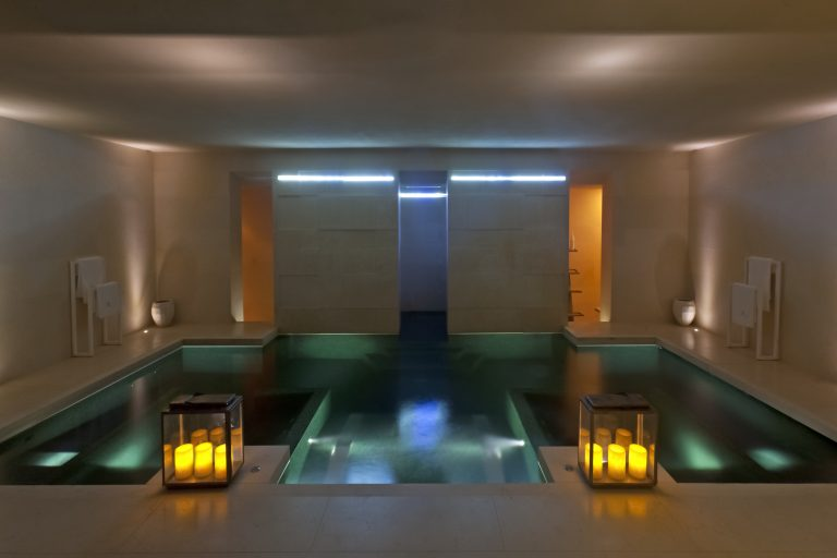 Hydro massage pool