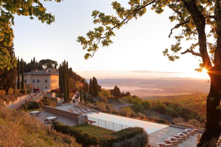 RWCdB - Il Borgo with Pool at Sunrise