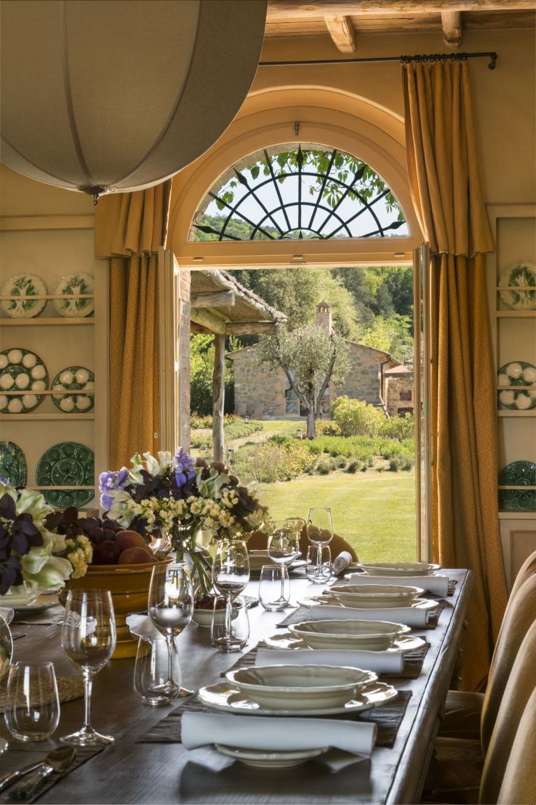 RWCdB - In Villa Dining Table