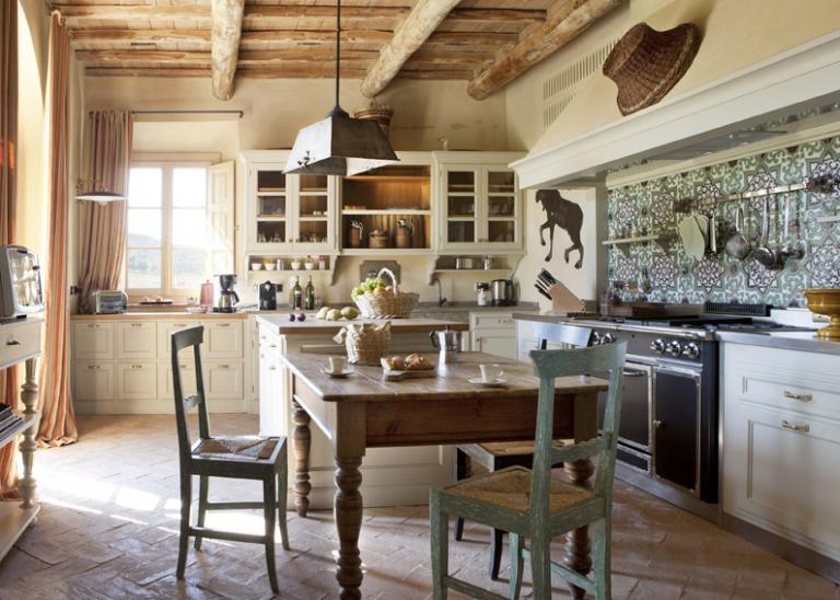 RWCdB - Villa Gauggiole, Kitchen with Dining Area