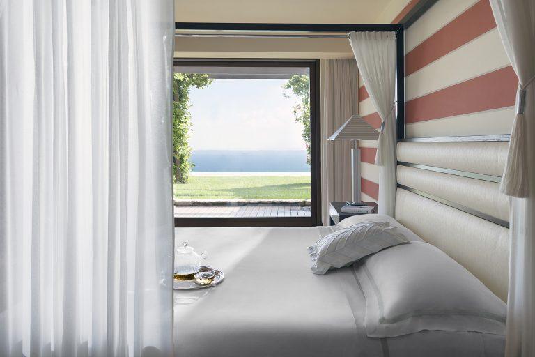 18_Royal Suite_Master Bedroom