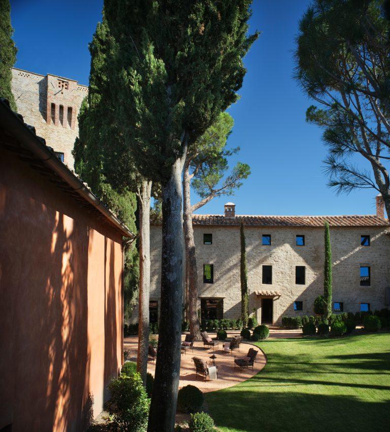 4_Reschio Estate - Hotel Castello di Reschio - The Courtyard