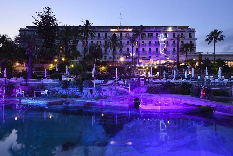 74 Royal Hotel (summer evening)