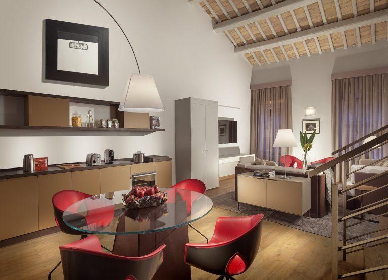 Ambassador Suite living room-min