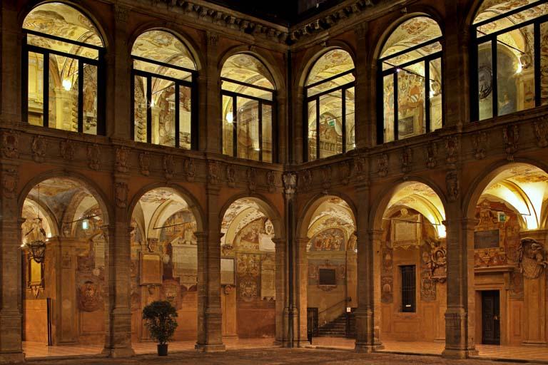 Archiginnasio-Palace-04