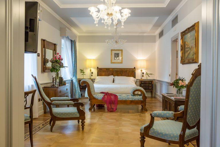 Due Torri Hotel Presidential Suite S. Anastasia 1