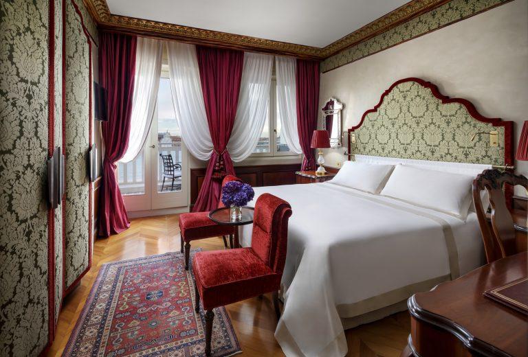 Hotel Danieli -Luxury Lagoon View Room with Furnished balcony-Low