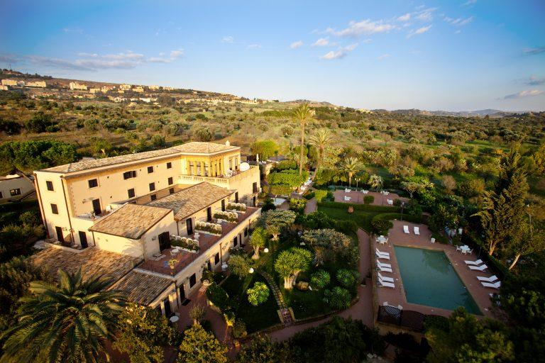 Hotel Villa Athena ESTERNO VILLA CON PISCINA