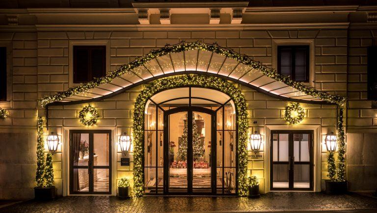 Hotel_Eden_Roma-_exterior_Christmas_Night
