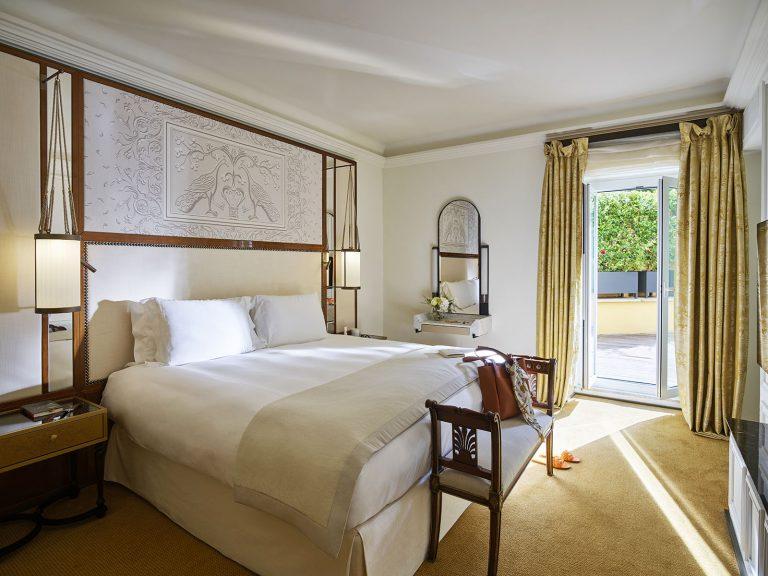 Hotel_Eden_Roma_-_Aurora_Terrace_Suite_-_bedroom__new
