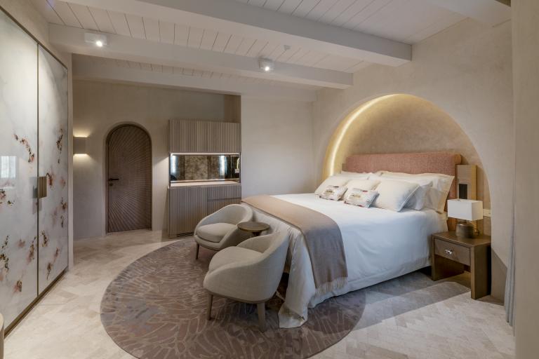 LUX_OLBLC_PENT_Harrods_Suite_ Guestroom_Bedroom_Second