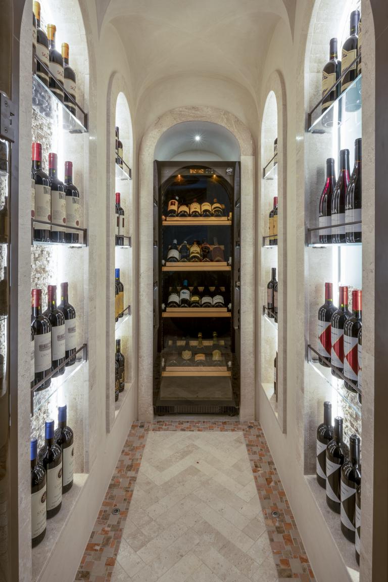 LUX_OLBLC_PENT_Harrods_Suite_ Wine_Cellar
