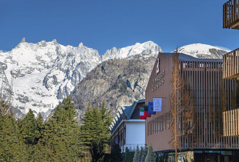 Le Massif_Hotel Façade_Mont Blanc View