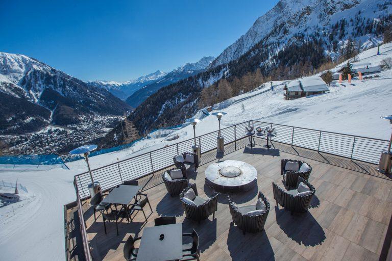 Le Massif_La Loge du Massif_Terrace with view on Courmayeur (1)