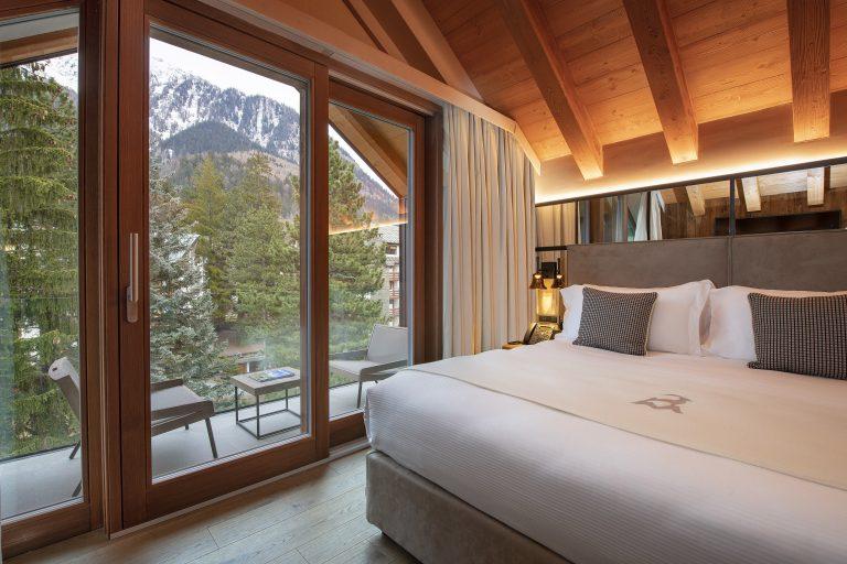 Le Massif_Top Roof Suite_Bedroom_1