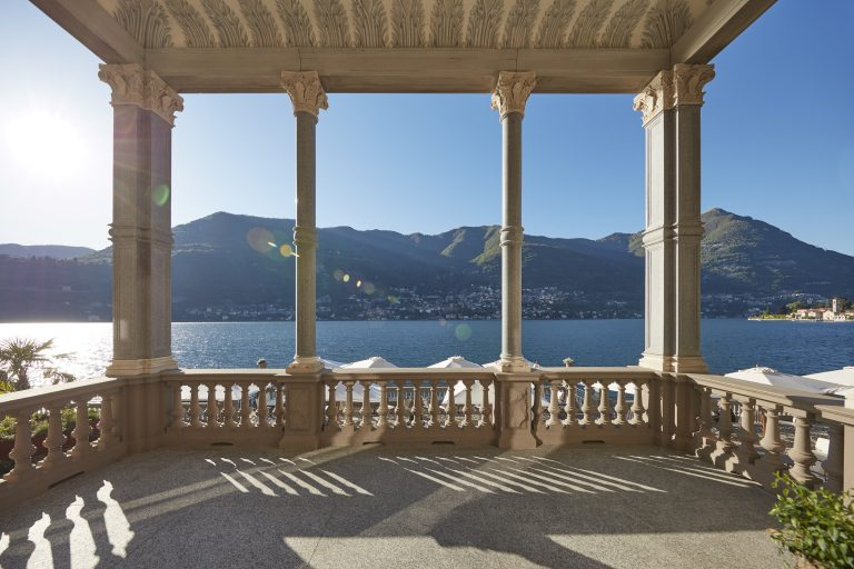 MOCMO - Main terrace lobby 01