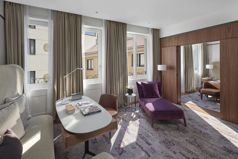Mandarin Oriental, Milan RM 227 LVNG RM FINAL 01AA Executive suite