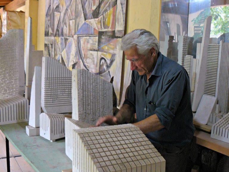 Pinuccio Sciola at work