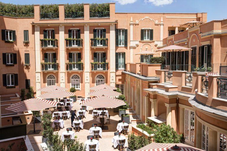 RFH Hotel de la Ville - Courtyard 6783 JG Jul 19
