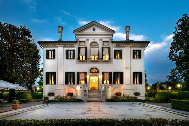 Relais & Châteaux Villa Franceschi Palazzo5