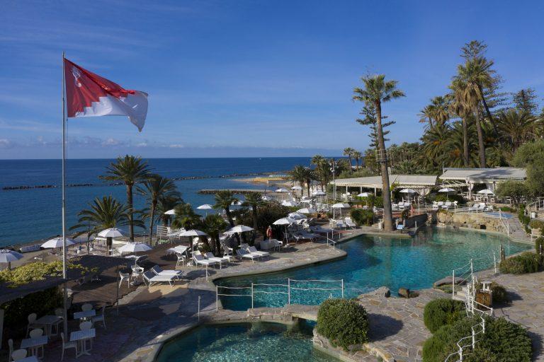Royal_Hotel_Sanremo_sea_water_pool