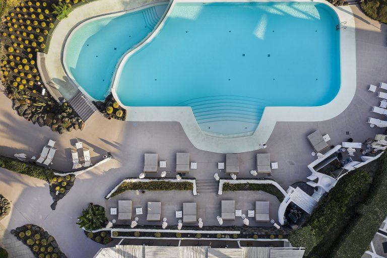 Therasia Resort Sea & Spa 01