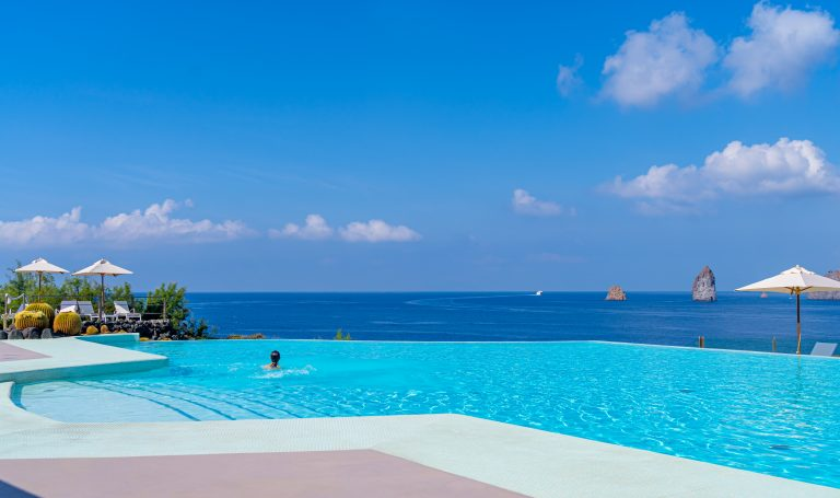 Therasia Resort Sea & Spa 04