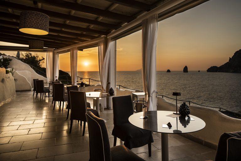 Therasia Resort Sea & Spa Il Cappero restaurant (14)