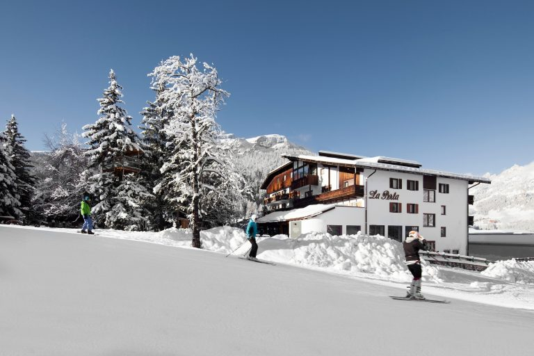hotel La Perla exterior winter13 (2)