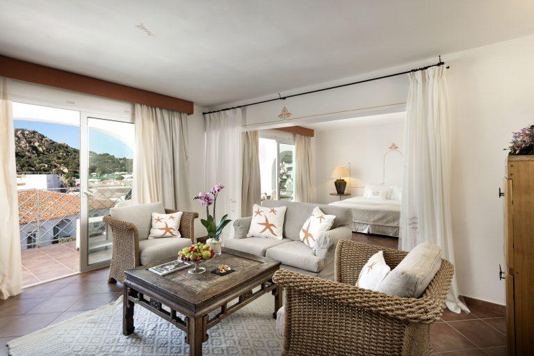 living area junior suite