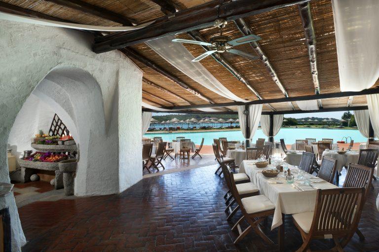 luxOLBLCre-130210-BBQ Restaurant-