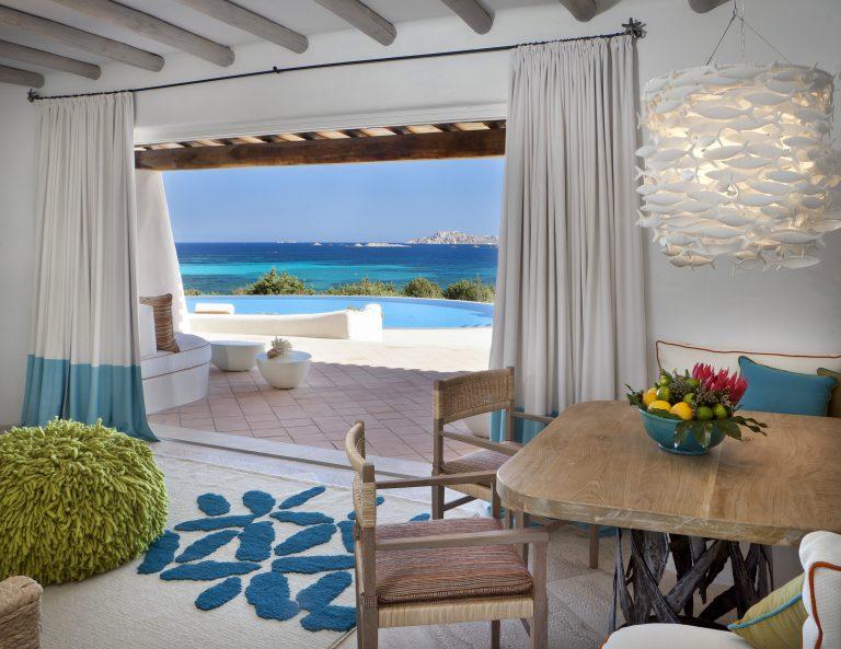 luxOLBRLgr-129929-Villa Smeralda - Living Room and Terrace view-