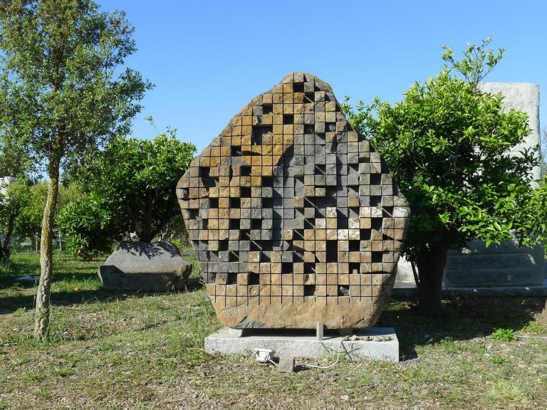 sculpture_of_pinuccio_sciola