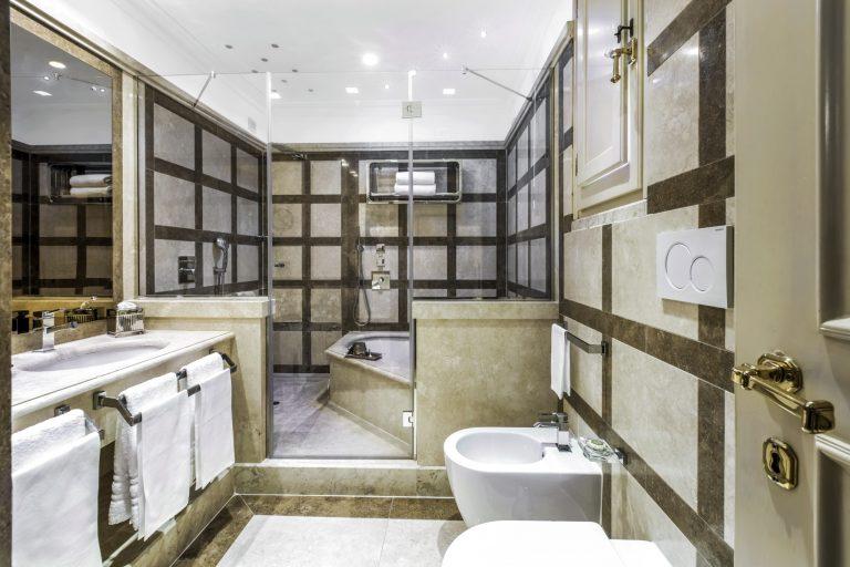 8.Starhotels_Hotel d'Inghilterra_RM_Deluxe (3)