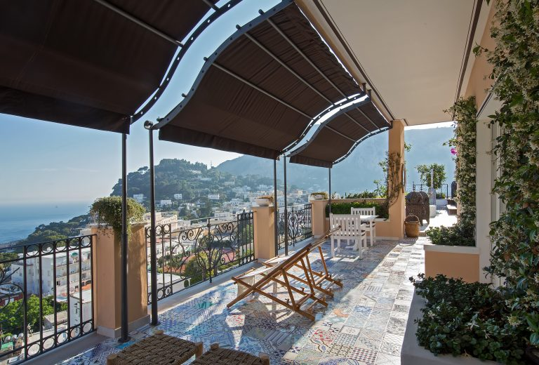 Capri Tiberio Palace Rooms - Bellevue Suite terrace