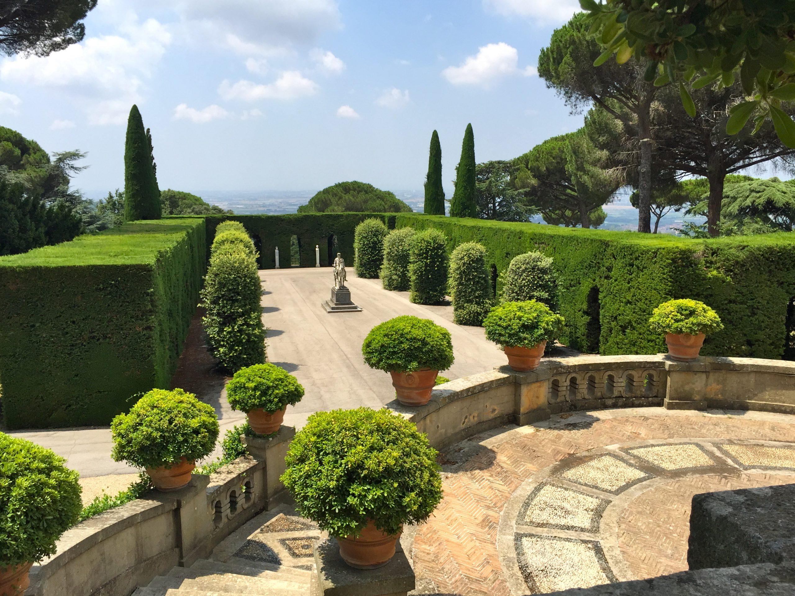 Castel,Gandolfo,,Italy,-,July,11,,2015:,A,Panoramic,View