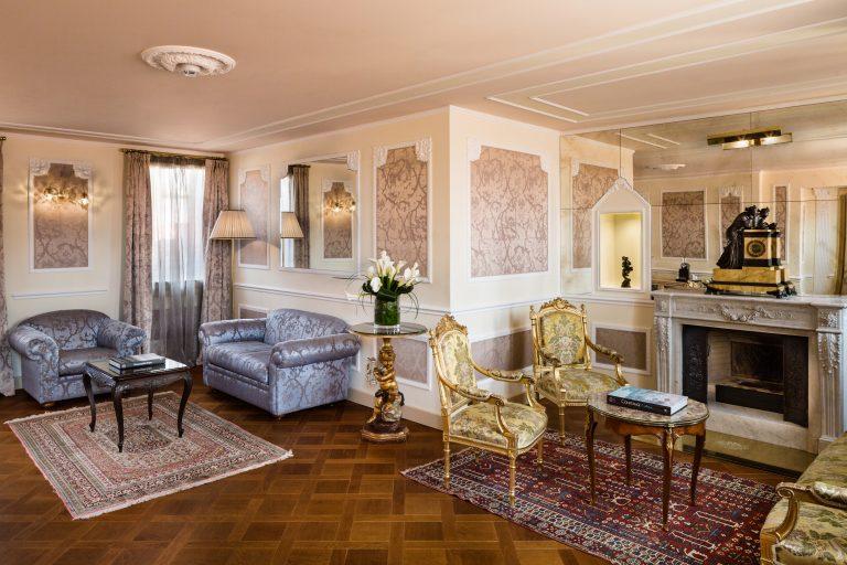 Baglioni_Hotel_Luna_Giorgione_Suite_Living_3