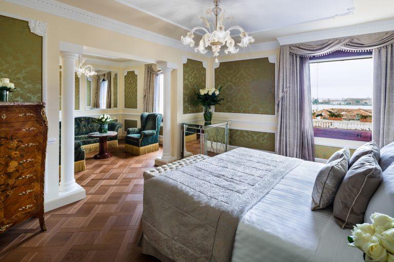 Baglioni_Hotel_Luna_Lagoon_View_Suite_3