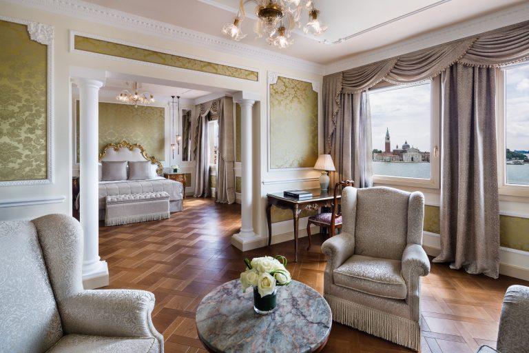 Baglioni_Hotel_Luna_Tiziano_Suite_Living_Bedroom