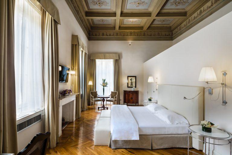 Baglioni_Relais_Santa_Croce_Da_Verrazzano_Suite_Bedroom