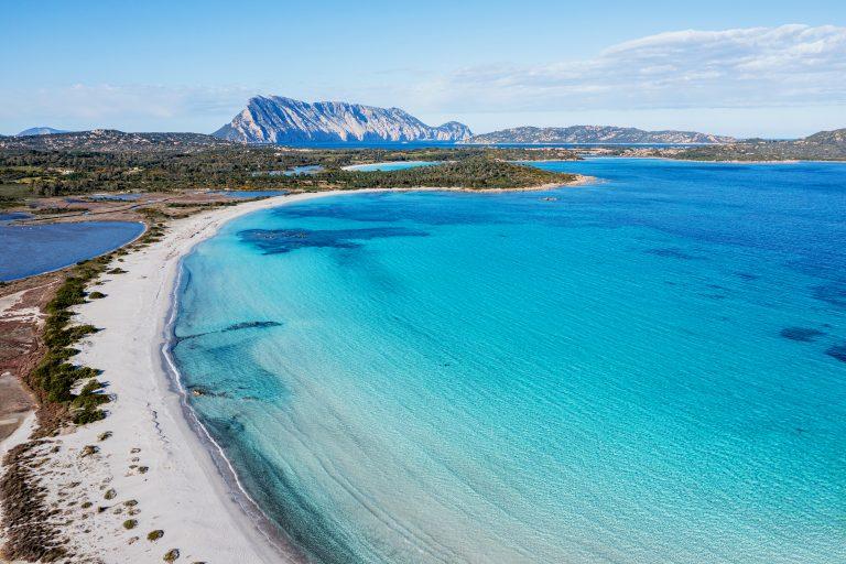 Baglioni_Resort_Sardinia_beach_02