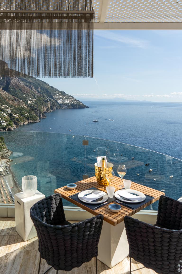 Villa Franca Gold-Sea-Food-Grill-HVF