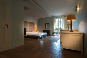 Garden View Grand Premium Room with Balcony (12)