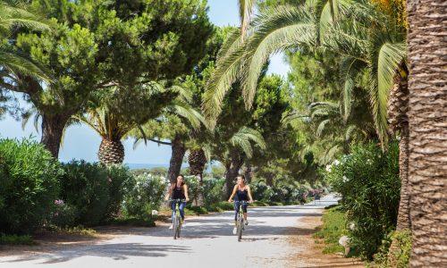 MasseriaSanDomenico bike palme ragazze